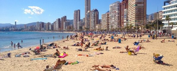 Finally… Summer-like Weather Heads For Spain, Portugal But Wind & Rain For UK