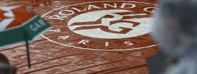 Cool, Rainy Start To French Open, Improvement For Chelsea Flower Show