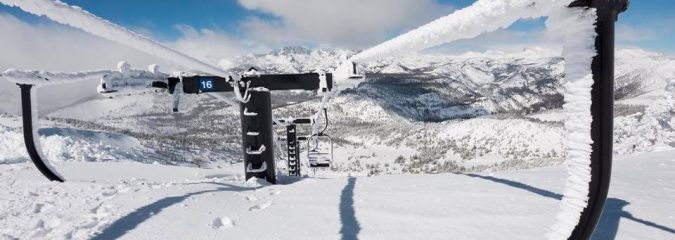 Calif Ski Resorts Crack 500-600″ of Snow With Snow Banks Towering 20ft @ Donner Pass