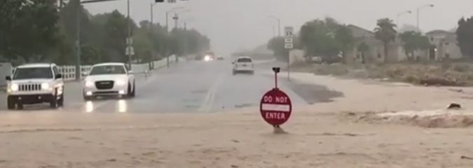 Thunderstorm generates 1-inch of rain within 10 MINUTES flooding Las Vegas