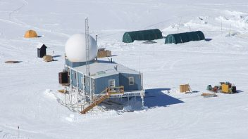 Summit Camp, Greenland hovers between -50 and -55C for past 72 hours