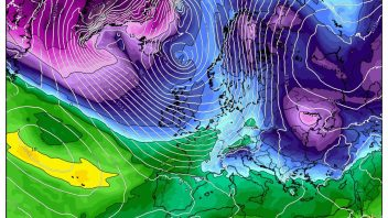 Frequent wintry showers to pile into UK next week as flow blows from Canada/Greenland
