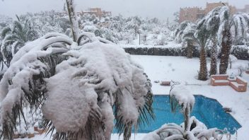 Zagora, (southern) Morocco sees first snow in 50 years!