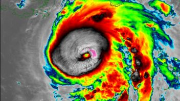 Michael becomes Dangerous Category 3 hurricane less than 24 hours prior to Florida landfall