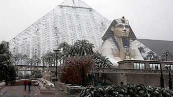 WU: Las Vegas Gets Brief But Unexpected Snow With Temperatures Above 50 Degrees