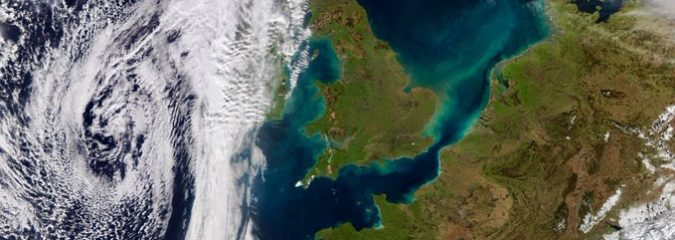 Africa-origin sun, warmth & foehn effect provides UK's warmest Valentine's Day in 21 years