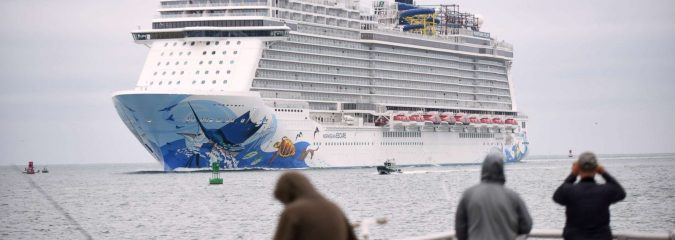 WU: Norwegian Cruise Arrives Safely in Florida After 115-MPH Wind Gust Rocks Ship, Injures Passengers