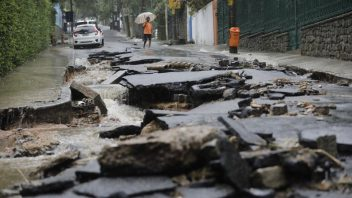 ABC: Heavy rains cause floods, kill at least 10 in Rio de Janeiro
