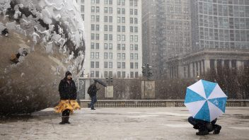Chicago gets 2nd heaviest calendar day snow for so late in season