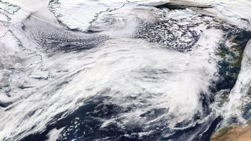 265 mph Jet Stream powers 930mb bomb off Greenland while Ciara rapidly deepens on approach to UK/Ireland!